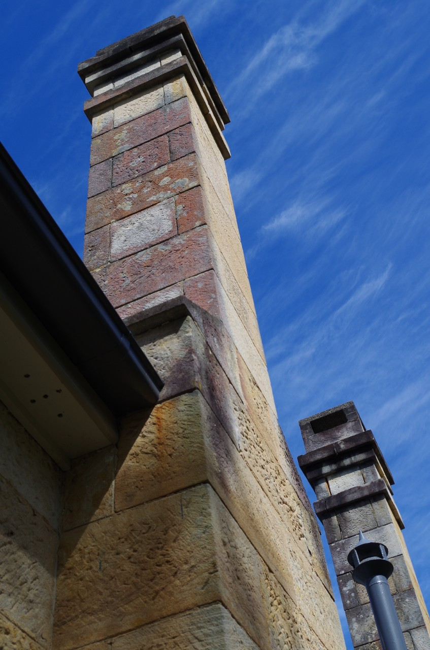 strong lines of sandstone chimney on old brewongle classroom