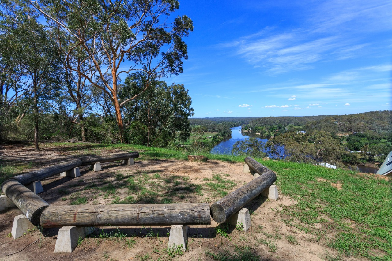hawkesbury river from lookout